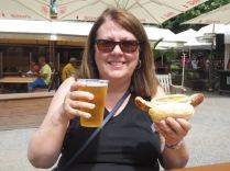 Pils and bratwurst in Clara Zetkin Park